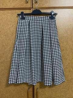 TTR's Houndstooth Skirt