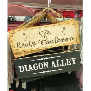 Leaky Cauldron and Diagon Alley Harry Potter Dual Door Sign Wooden Wall Plaque