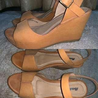 Comfortable Wedges in Brown