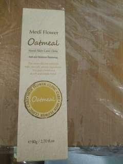 🚚 Medi flower oatmeal hand cream