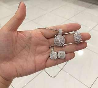 1 set 1 choker+liontin,anting,cincin