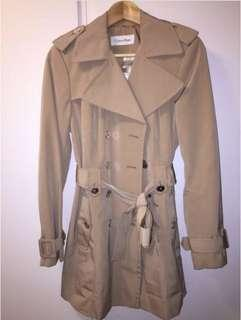 專門店真品全新Calvin Klein genuine beige trench coat belt保證正版半價平賣杏色乾濕褸番工上班斯文長袖外套連腰帶禮物冬天潮流名牌burberry平價版ck ladies classic jacket經典款女裝