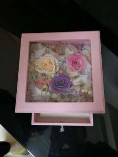 全新 保鮮花首飾盒 /永生花 / 玫瑰/家居擺設