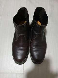 🚚 Timberland men leather boots u.p above S$200