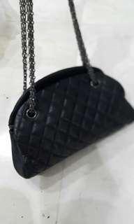 Tas Chanel with seri
