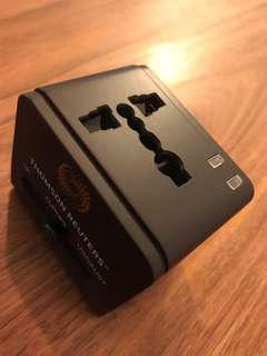100% new Multinational Travel Adapter with USB Charger 多國旅行充電器