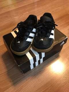 🚚 愛迪達兒童鞋