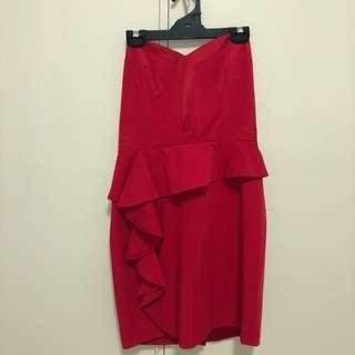 FORMAL RED STRAPLESS DRESS