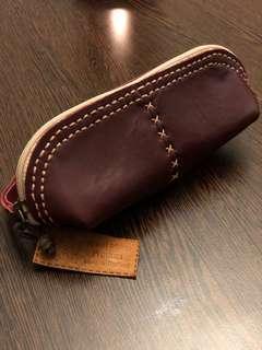 全新泰國手造皮革拉鍊萬用袋