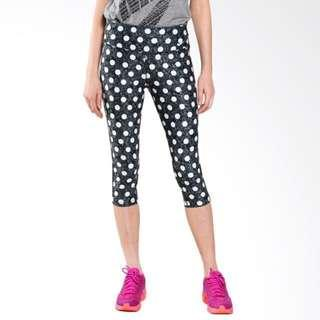 BNWT Nike Women's Dri-FIT Spots Capri Tights