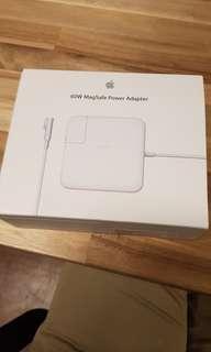 🚚 Apple MacBook Pro 60W Magsafe Power Adatptor (original)