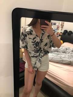 OVERSIZED FLORAL BUTTON DOWN TOP