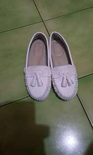 🚚 小白鞋 莫卡辛鞋 豆豆鞋 平底鞋 護士鞋