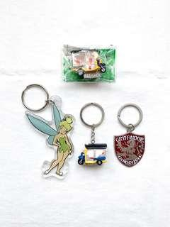 🚚 Keychains and magnet set