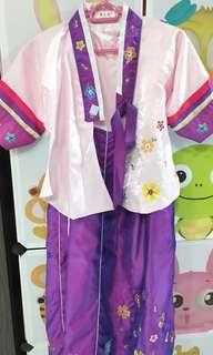 🚚 Korean traditional costume for girl aged 7-9 years old medium built