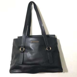 🚚 Charles & keith shoulder bag
