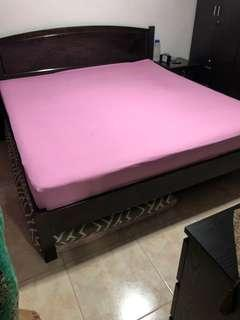 Bed with mattress king size