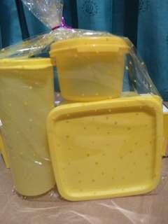 Kotak Makan Tupperware