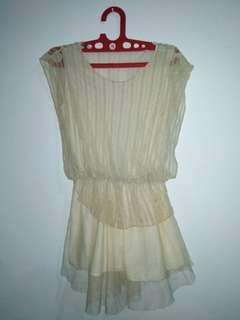 Layer silk dress. 90% good condition