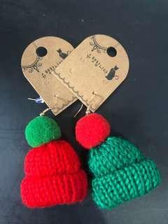 🚚 ❤️ab愛亂買❤️耶誕風俏皮紅跟綠毛毛帽 耳環