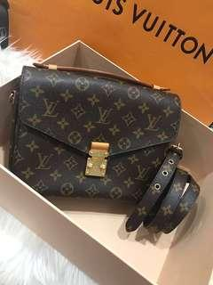 💥HOT SALE💥Louis Vuitton Pochette Metis