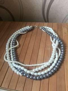 Kalung accessories