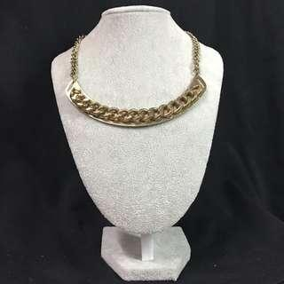 Goldy Necklace