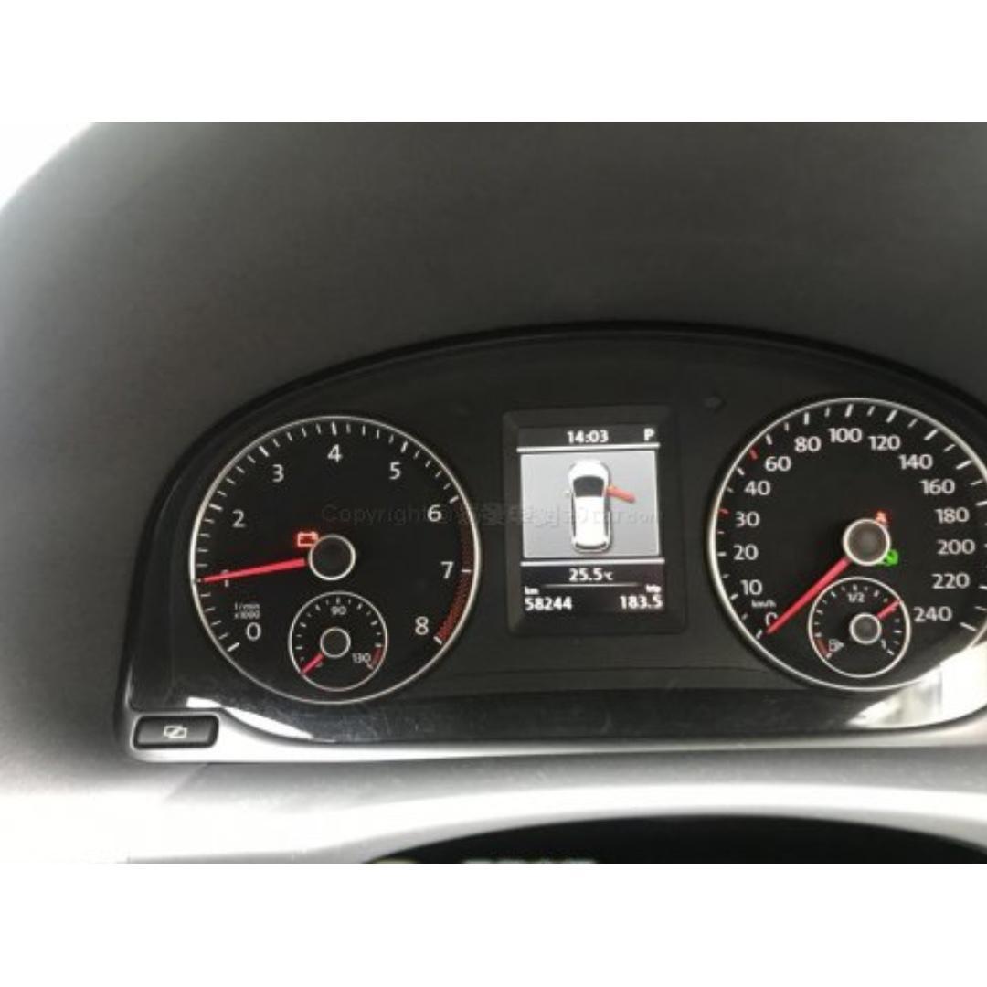 福士 VOLKSWAGEN TOURAN 1.4 TSI 170PS 2012年