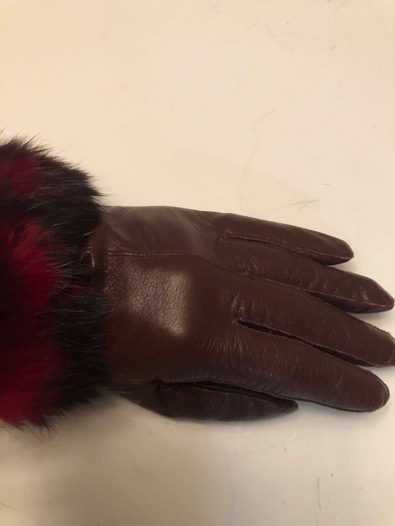 Authentic vintage Nina Ricci leather gloves with fur