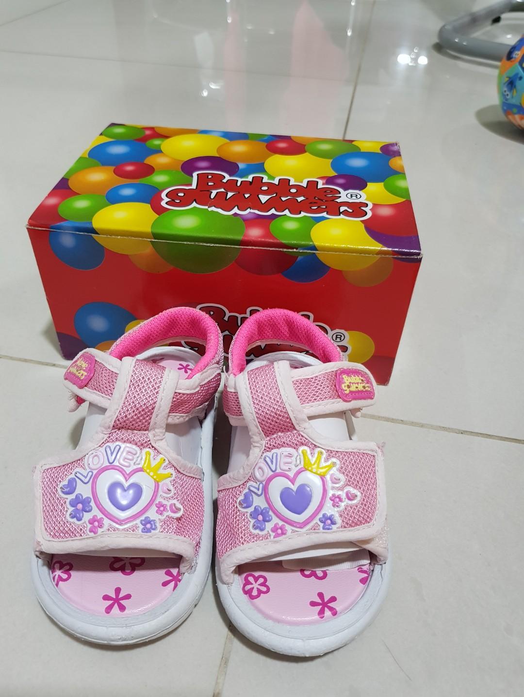 BATA Bubble gummers squeaky shoes