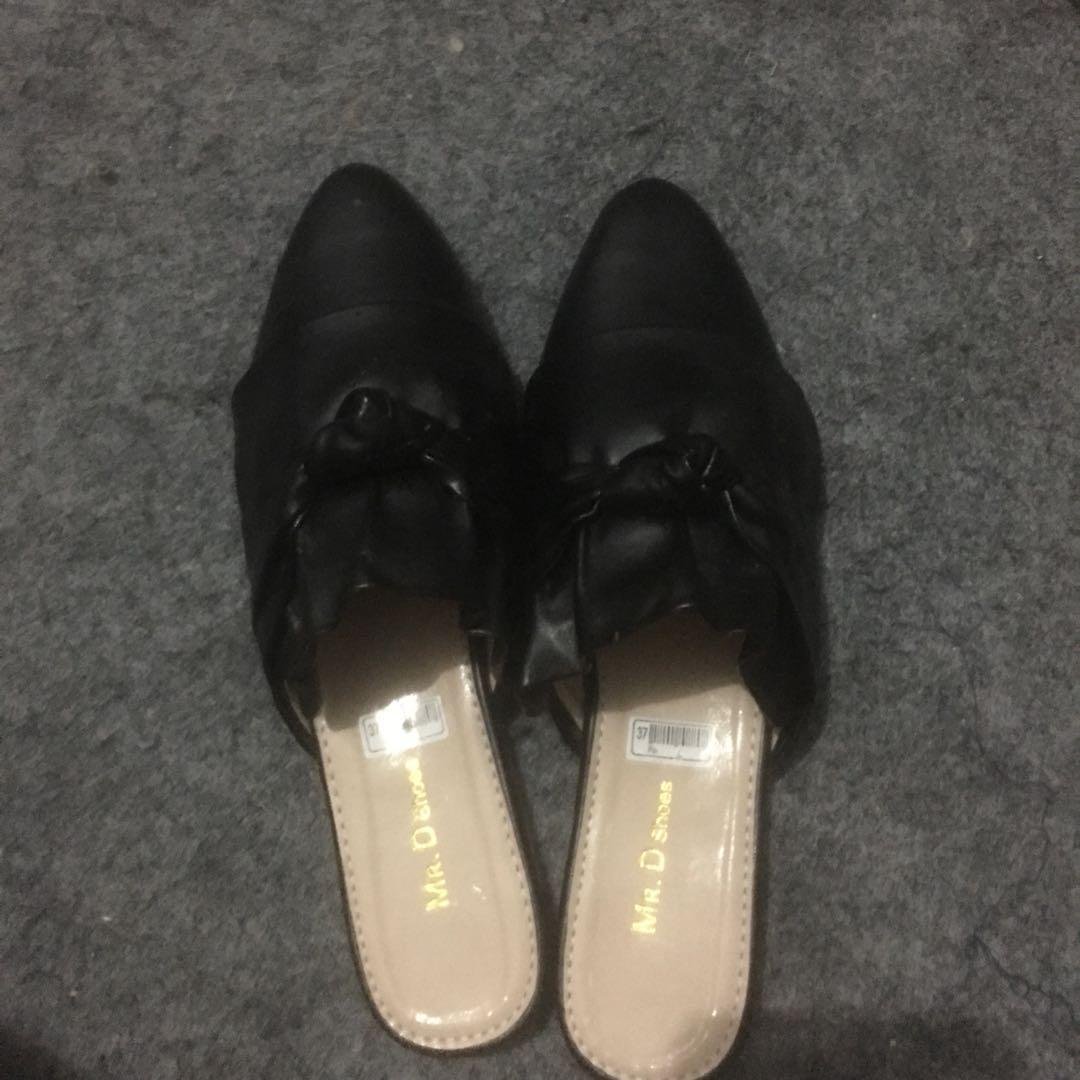 Black sandal's
