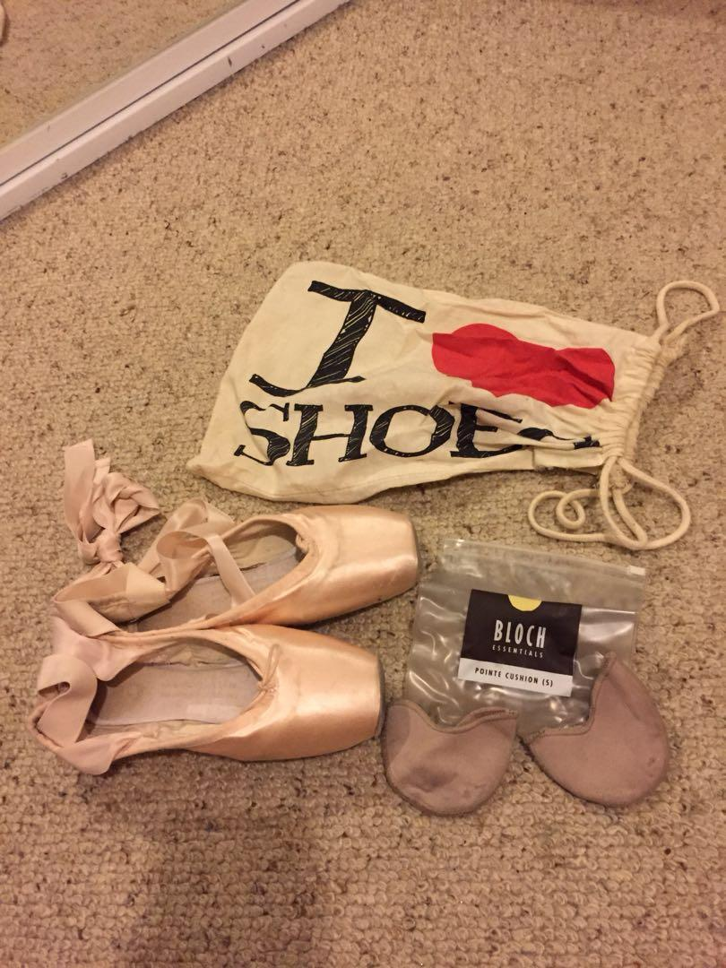 Bloch pointe ballet dance shoes with cushion padding