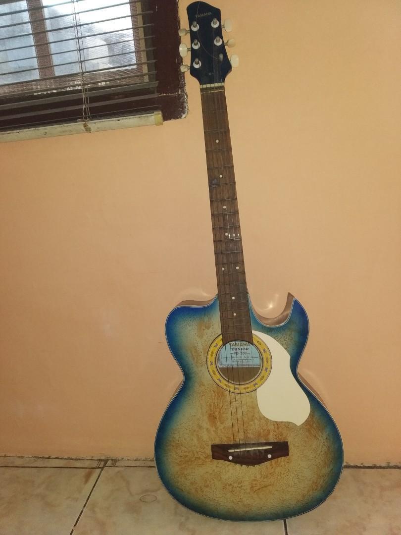 Gitar Yamaha Junior FG-200