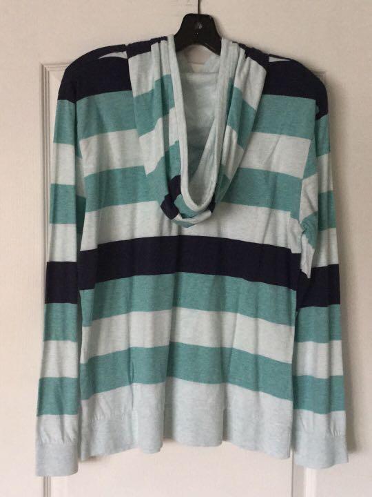 Long sleeve hoody shirt. Medium./X-Posted