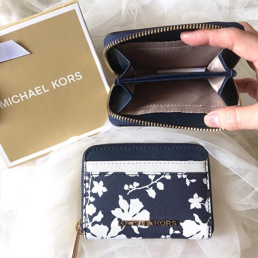 Michael kors jetset travel zip card case navy/white size 11,5cm x 8,5cm