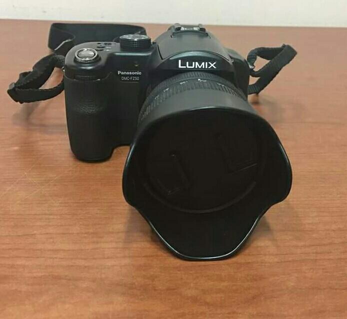 Panasonic Lumix dslr camera (101 1 mp) with manual, bag