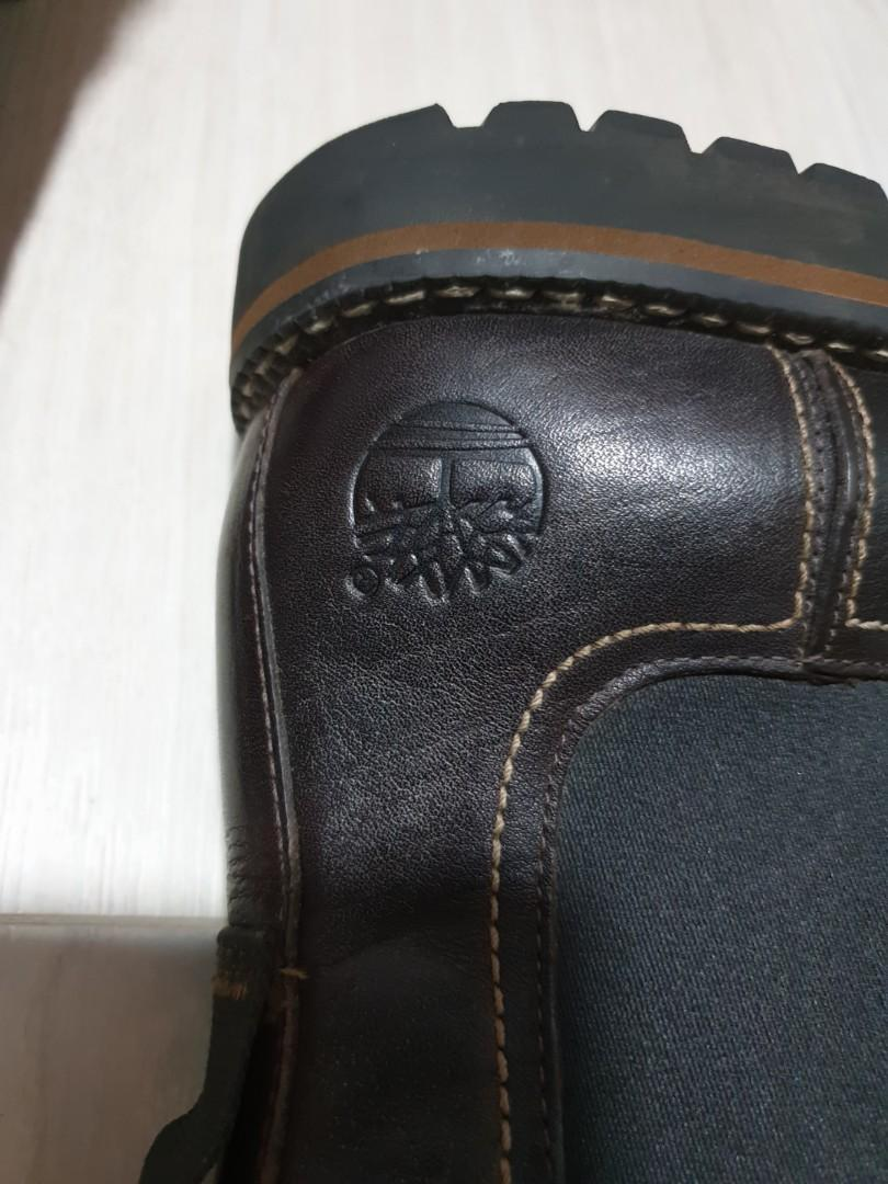 Timberland men leather boots u.p above S$200