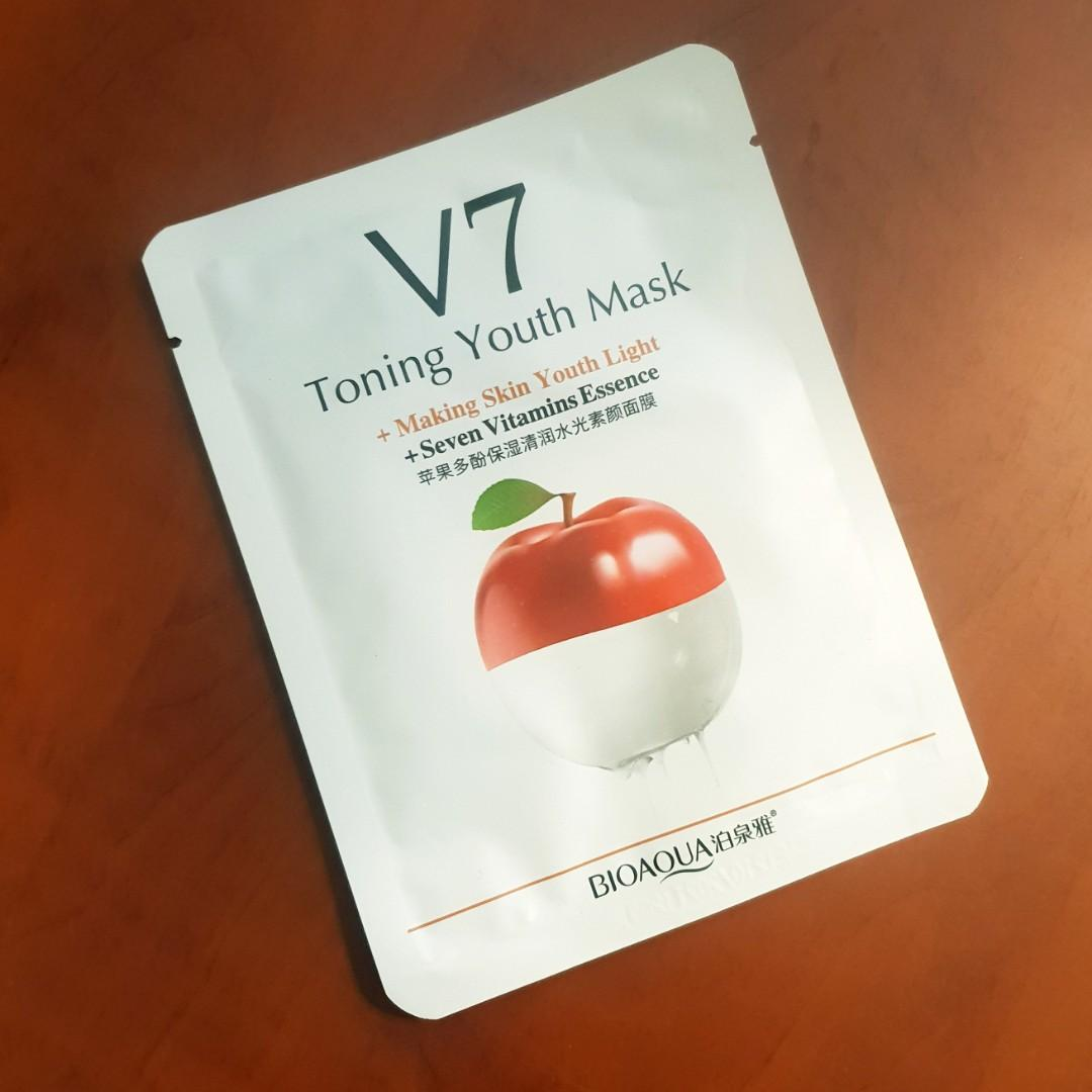 V7 Toning Youth Sheet Mask with Seven Vitamin Essence