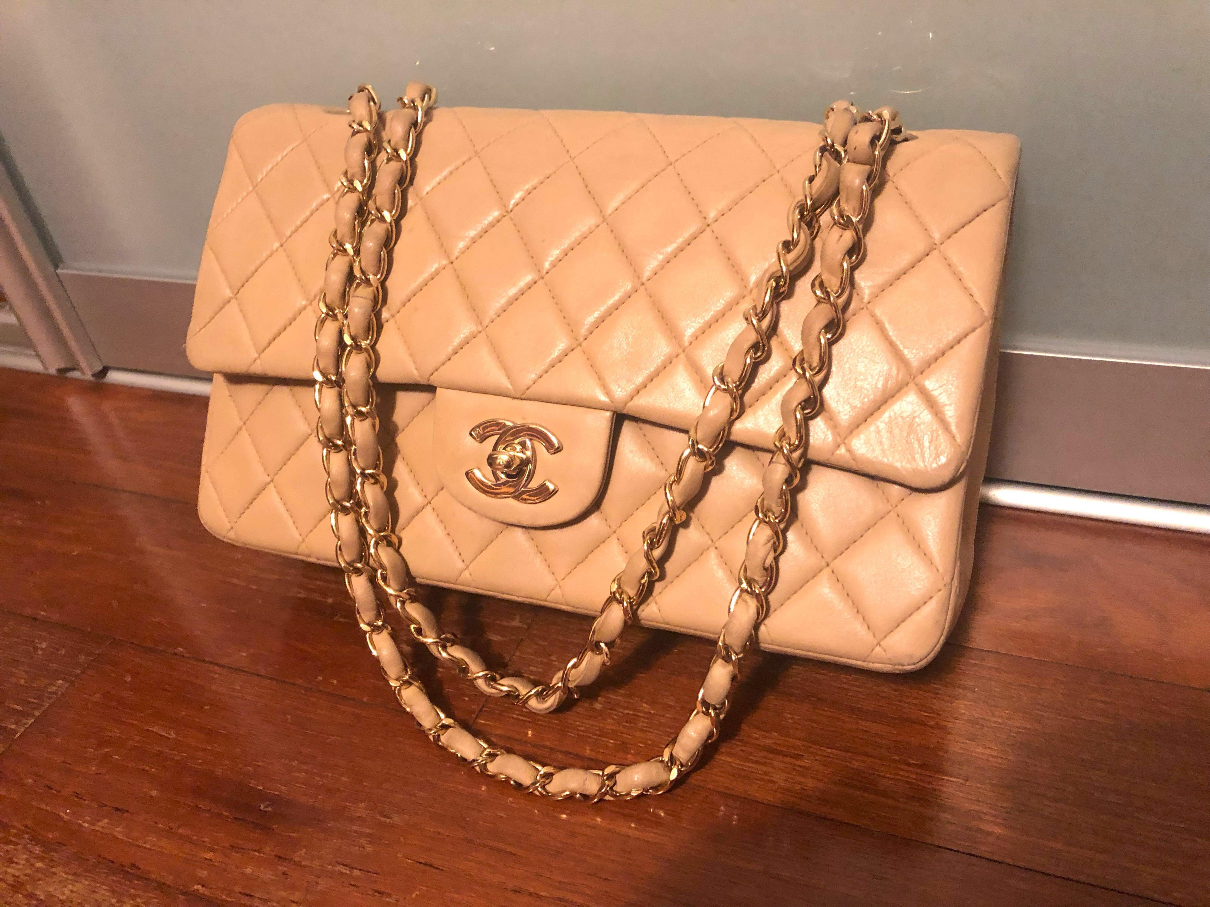 d1581a56d4e7 Vintage Chanel 2.55 Medium Classic Lambskin 100% Authentic
