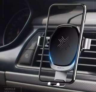 Wireless charging gravity car mount