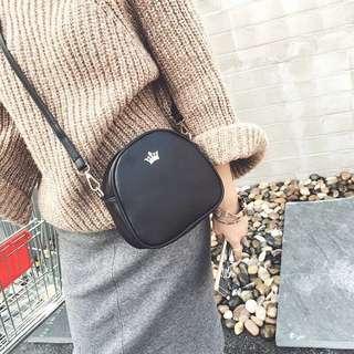 Black sling bag #mhb75
