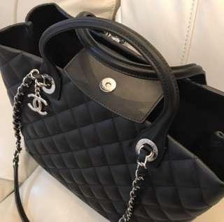 CHANEL 手抽長帶 兩用手袋 Handle bag 牛皮 男女合用 實用少有 手挽款 容量大超值