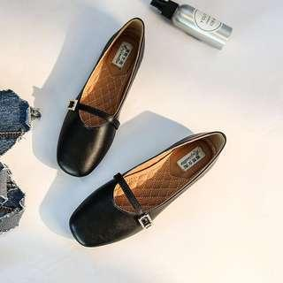 New black leather flats shoes