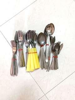 Metal Cutlery Stainless Steel Fork and Spoon Set Assorted