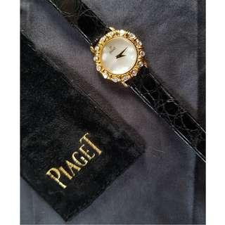 Vintage Piaget Ladies Solid Gold Watch on Original Crocodile Leather band with 16 Brilliant Cut VVS1 Diamonds 24mm