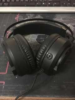 鐵修羅 耳罩式耳機 戴不習慣出售!外接麥克風不見補一個sony的給你!不介意再下單