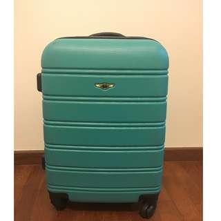 Carry-on luggage with 4 wheels -- Good condition!