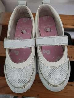 🚚 Preloved Hello Kitty white shoe