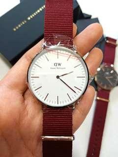 🚚 Daniel Wellington Watch