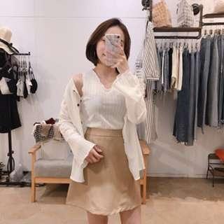 🚚 正韓❤️超Q木釦小捲邊針織背心+外套(白)
